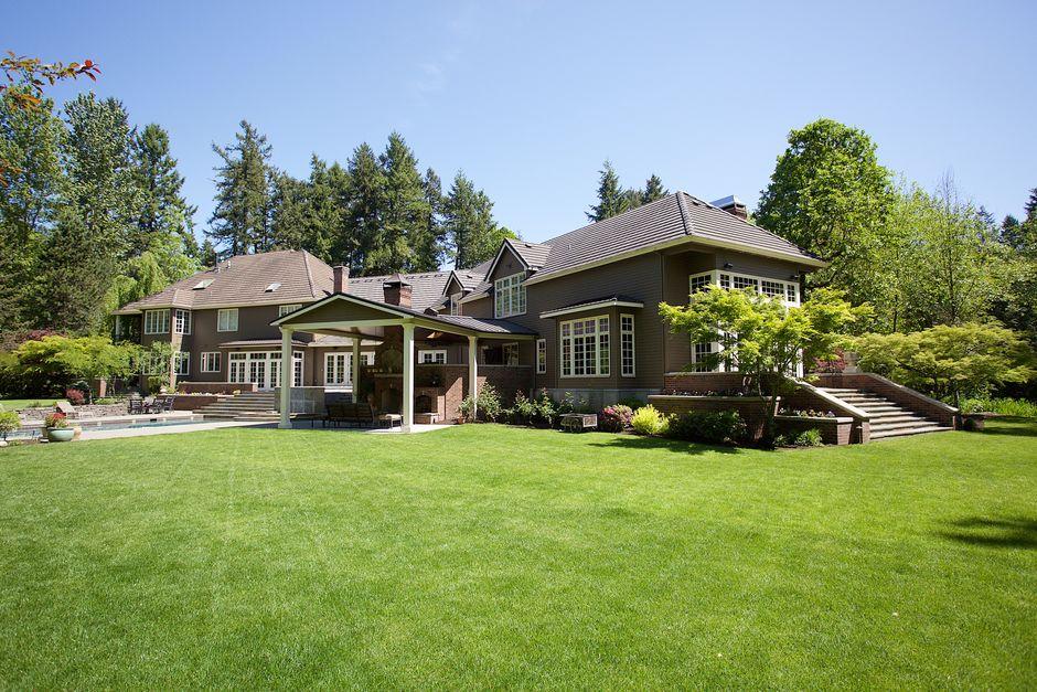 homes with acreage lake oswego
