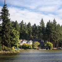 Lakefront home in Lake Oswego
